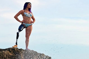 Handicap : une athlète paralympique en Une du magazine sexy Sports Illustrated