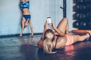 Image du corps : mieux vaut éviter les publications de ses amis sportifs sur les réseaux sociaux