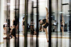 Le pole dance du Pink Paradise débarque chez CMG Sports Club