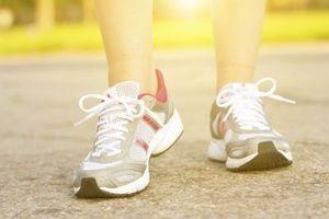 Les vêtements et chaussures de sport achetés avant tout pour leur fonction de base