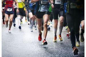 Quand on regarde la vidéo d'un coureur, notre corps a lui aussi l'impression de courir