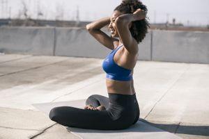 Une nouvelle collection de vêtements de yoga pour l'extérieur signée Adidas