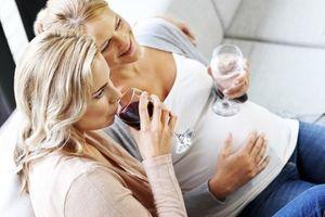 Alcool et grossesse : les risques pour l'enfant sous-estimés par les Français