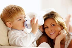 Allergie au lait de vache : comment nourrir bébé ?