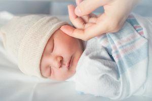 FIV : un bébé à 3 parents est né en Grèce d'une mère infertile