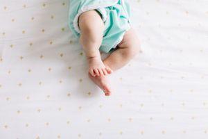 """Bébés nés sans bras : une famille porte plainte pour """"mise en danger d'autrui"""""""
