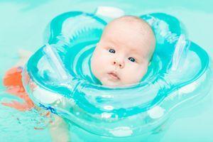 Les bouées de cou pour bébés, à éviter !