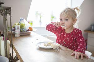 Femmes enceintes, ne léchez pas la cuillère ou la tétine de votre enfant