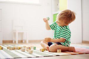 Une nouvelle étude privilégie les jouets traditionnels aux jouets high-techs pour le développement de l'enfant