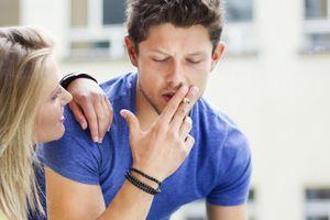 Les pères fumeurs affecteraient la fertilité à venir de leurs garçons même avant la conception