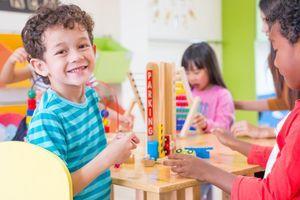 La garde collective bénéfique au développement de l'enfant