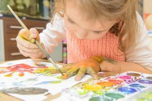 Peinture pour enfants : des substances nocives retrouvées dans plusieurs modèles
