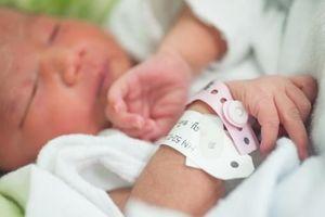 Plus de 800 000 bébés naissent chaque année en France