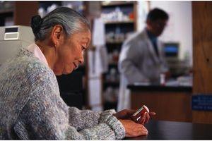 Effets indésirables des médicaments : les seniors particulièrement concernés