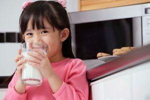 Deux verres de lait par jour recommandés pour les jeunes enfants