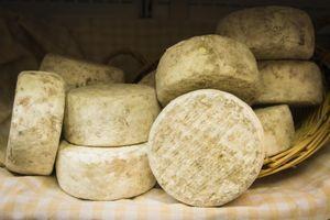 Listeria: rappel de fromages la Ferme du Castérieu vendus dans 6 départements