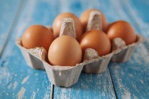 Distribution : Moins de la moitié des œufs achetés, issus d'élevage en cage