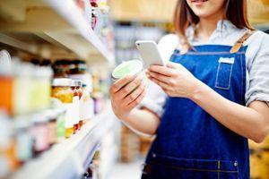 """Open Food Facts : l'application qui vous donne accès aux """"Nutri-Score"""" cachés des produits"""