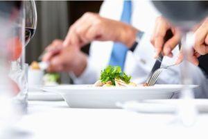 Pour perdre du poids, mieux vaut déjeuner tôt !