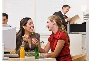 Prendre le temps de manger permet de moins manger !