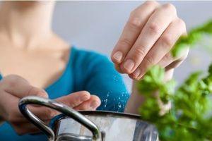 Toujours trop de sel dans nos aliments