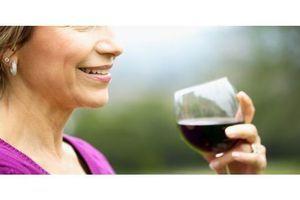 Un composé présent dans le vin rouge utile contre l'obésité ?