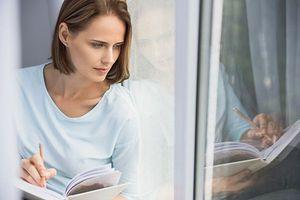Divorce : quand raconter son histoire dans un journal intime protège le coeur