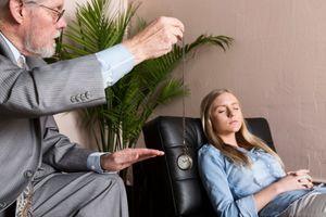 Hypnose et méditation de pleine conscience efficaces contre la douleur