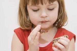 Les enfants stressés mangeraient plus