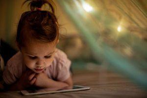 Les smartphones et tablettes responsables de retards de langage chez les enfants en bas âge