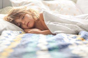 Mauvaise alimentation, obésité et trop d'écran affectent le sommeil des enfants