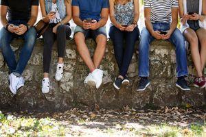 """""""Le phubbing"""" : Quand votre addiction au smartphone nuit à votre vie sociale"""