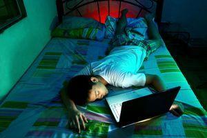 Sommeil des étudiants : dormir entre deux révisions pour retenir mieux et plus longtemps