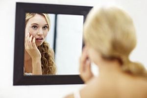 Troubles de l'image du corps : une thérapie en ligne peut aider
