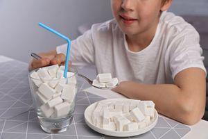 A tous les âges, les enfants ont des apports trop élevés en sucre