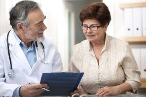 Premières règles et ménopause tardive, des facteurs clés de longévité