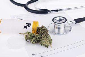 Les adultes américains, plus nombreux à fumer du cannabis et moins à y voir un risque