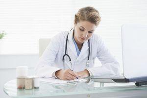 Certains médecins généralistes réclament une consultation à 31 €