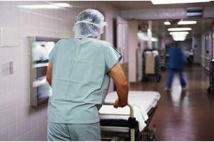 Décès inexpliqué d'une patiente aux urgences de l'hôpital Cochin