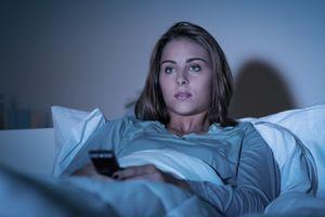 Dormir avec la lumière allumée, un facteur de risque de l'obésité ?