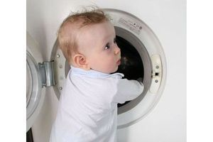Dosettes hydrosolubles de lessive liquide : gare aux accidents domestiques !