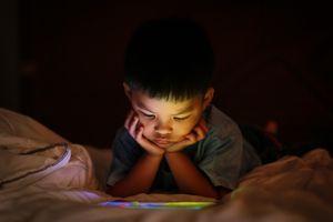 Pour les enfants, l'OMS préconise plus de jeux et moins d'écrans !