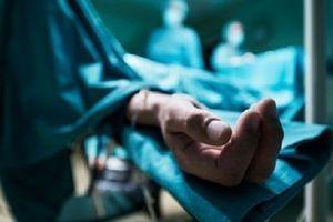 Un homme né sans main bénéficie d'une greffe à 32 ans en Pologne, une première mondiale