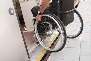 Handicap : les délais de mise en accessibilité des lieux publics repoussés