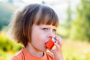 Les enfants asthmatiques auraient plus de risque de devenir obèses