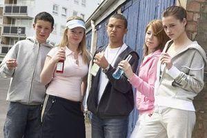 Les jeunes boivent trop mais fument moins