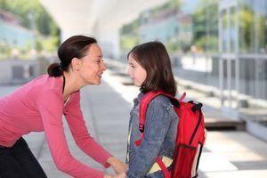 Les parents trop imprudents sur le chemin de l'école