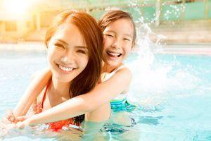 Les piscines regorgent de dangereuses bactéries