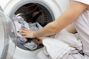 Les machines à laver, siège de bactéries résistantes ?