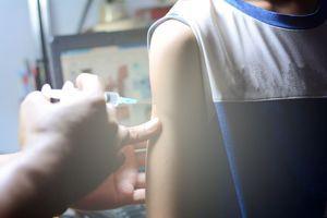 Vacciner aussi les garçons contre le papillomavirus, une nécessité